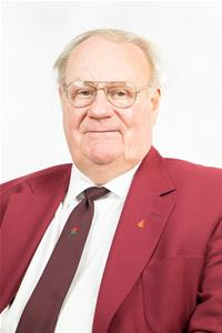 Profile image for Councillor Gordon Simmons